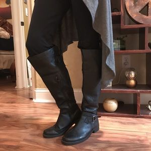Shoes - Women's tall black boots Size 8